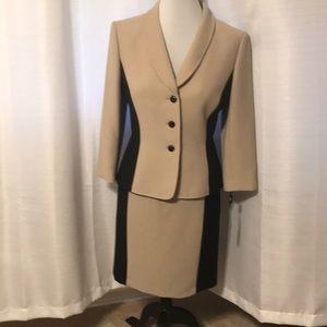 NWT Tahari Janet Color blocking women Suit. Size 8